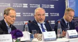 ?? צילום: המכון הישראלי לדמוקרטיה ?? שר האוצר ליברמן