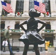 ?? ANGELA WEISS / AFP VIA GETTY IMAGES FILES ?? The Fearless Girl statue at the NYSE on Wall Street. It is clear that the economic data have no ability to move markets anymore, David Rosenberg writes.