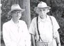 ?? Foto: Picturedesk / Science Photo Library / Emilio Segre Visual Archives ?? Zwei Genies und beste Freunde: Kurt Gödel und Albert Einstein.