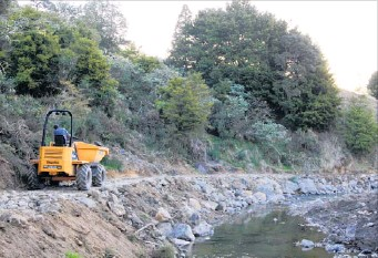 ?? PICTURE / FNDC ?? ALL GO: Construction of the coast to coast cycle trail on Ron and Linda Lewis' Okaihau farm has begun.