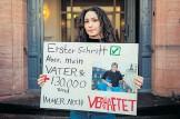 ?? [ AFP ] ?? Protest der Tochter eines Regimeopfers.