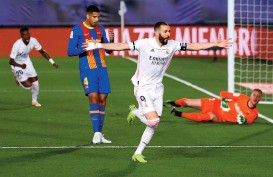 ??  ?? Real Madrid's Karim Benzema celebrates after scoring during the El Clasico match against Barcelona on Saturday