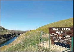 ?? LOIS HENRY / SJV WATER ?? The Friant-Kern Canal near Pine Flat Dam.