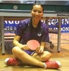 ?? TYASEFANIA FEBRIANI/JAWA POS ?? BERSAING: Atlet tenis meja Jawa Timur Silir Rovani di GOR PTM HCIYS, Kertajaya, Surabaya.
