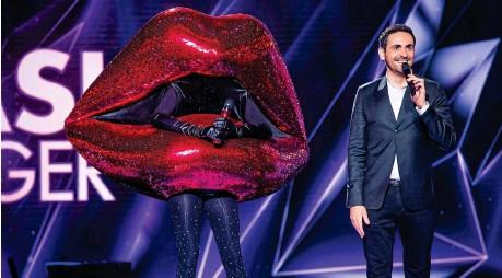 ??  ?? La saison 2 de « Mask Singer », toujours présentée par Camille Combal, a fait preuve d'inventivité pour les nouveaux costumes.