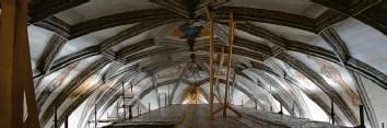 ?? Foto: Berthold Veh ?? Die Bayerische Landesstiftung fördert auch die Notsicherung des Gewölbes in der Höchstädter Stadtpfarrkirche.
