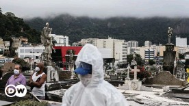 ??  ?? At least 320,000 people have died in Brazil of COVID-19 since the pandemic began early last year
