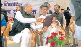?? HT FILE ?? CM Ashok Gehlot and Congress leader Sachin Pilot during a party meeting.