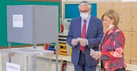 ?? (AFP) ?? Turkish-Cypriot leader Mustafa Akinci and his wife Meral cast their ballots at a voting station in the northern part of Nicosia, during the second-round of the presidential election on Sunday