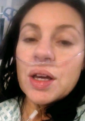 ??  ?? Struggling to breathe...video Tara took to show friends how ill she was
