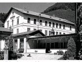 ??  ?? Verliebte sich während der Sommerfrische im Thalhof in Reichenau in die Wirtin Olga Waissnix: Arthur Schnitzler