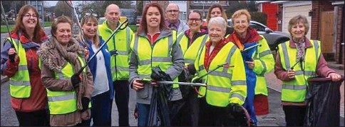 ??  ?? Patrol: Pauline Round (far right) and Louise Medlar (fifth from left) with some of the 700-strong Pickup Artists