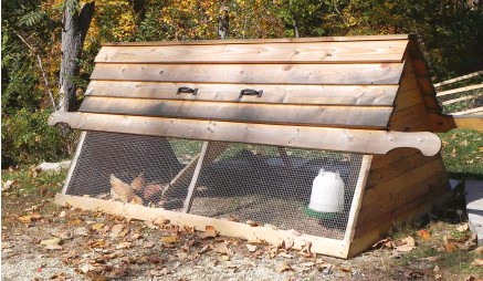 ??  ?? A simple ark can provide day shelter and allow your birds to work your backyard, keeping down pests and fertilizing the grass!