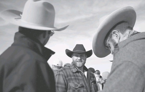 ?? JUSTIN SULLIVAN/GETTY IMAGES ?? Ammon Bundy, seen at Oregon's Malheur National Wildlife Refuge in 2016, rebuked President Trump's demonizing of the migrant caravan. He was frustrated by the outcry.