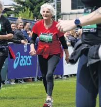 ?? PHOTO: TRACEY ROXBURGH ?? Inspiration . . . The oldest competitor in the event was halfmarathon entrant Clasina Van der Veeken (89), of Whangarei.