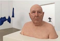 ?? Foto: René Rötheli ?? 230 Werke von 150 Kunstschaffenden aus allen Landesregionen finden im Aargauer Kunsthaus zusammen.