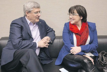 ??  ?? Jenni Byrne, here with Stephen Harper, knows 'how to identify an issue, how to attack an issue,' says Bruce Carson, who worked in the Prime Minister's Office. 'She instinctively knew whether you made it worse or better by how you reacted to it.'