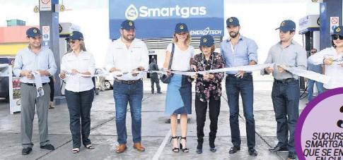 ?? FOTOS: LEO ESPINOZA ?? > Momento oficial de la inauguración de Smartgas Humaya.