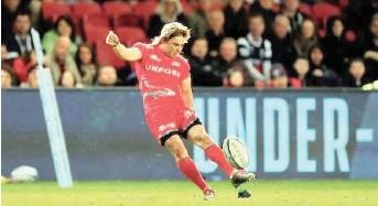 ?? | Reuters ?? FAF de Klerk in action for international club, Sale Sharks.