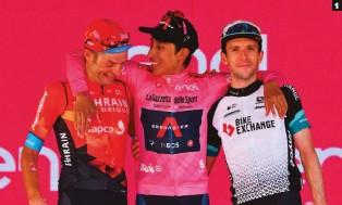 ??  ?? 1 Hora de celebrar. Excelente ambiente en el podio entre tres ciclistas de tres generaciones: Caruso, Bernal y Yates. 1