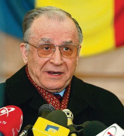 ?? FOTO REUTERS ?? Bývalý rumunský prezident a vůdce revoluce z roku 1989 Ion Iliescu byl obviněn z podílu na smrti stovek osob