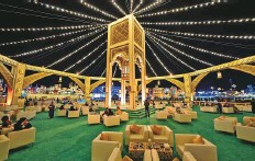 ?? Courtesy: Global Village ?? ■ Guests can enjoy hot beverages, juices, snacks and sweets served at the majlis, or buy food from restaurants and kiosks.