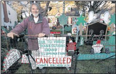 ?? ALEXA WELCH EDLUND/ TIMES-DISPATCH ?? Al Thompson canceled his holidaylights kickoff, but will light up his home at 9716 Wendhurst Drive in Henrico County on Friday.
