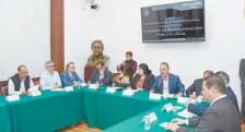 ??  ?? Diputados locales de Morena y expertos en seguridad durante el Foro de Coordinación Interinstitucional. Casos de Éxito.