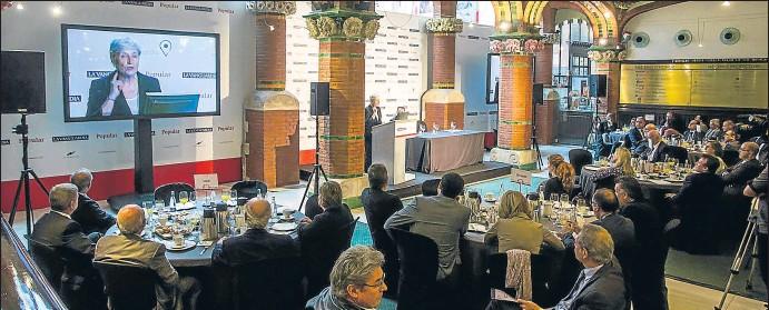 ?? LLIBERT TEIXIDÓ ?? Los Encuentros sobre los retos de la pequeña y mediana empresa se celebraron en el Palau de la Música y contaron con la asistencia de 150 empresarios