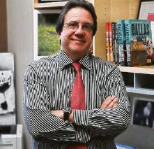 """?? Courtesy University of Texas Press ?? Austin writer Bill Minutaglio is the author of a new book that will be out this spring, """"A Single Star and Bloody Knuckles."""" It's a history of politics and race in Texas."""