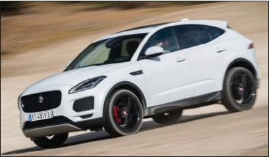 ??  ?? Le 4x4 Jaguar, grâce à ses aides à la conduite, peut s'aventurer loin de l'asphalte. Jaguar E-Pace D240 AWD BA HSE 61 350 € 240 ch CO2 : 175 g/km