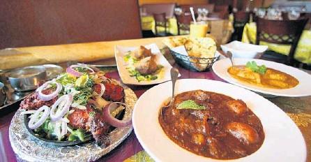 ?? RICARDO RAMIREZ BUXEDA/ORLANDO SENTINEL ?? Tamarind Indian Cuisine in Winter Park