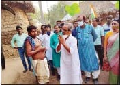 ??  ?? TMC's Asish Banerjee interacts with locals during poll campaign