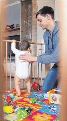 ?? FOTO: MASCHA BRICHTA/DPA ?? Mehr Zeit für die Familie zu haben, ist ein häufiges Motiv hinter Downshifting im Job.