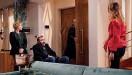 ??  ?? Anselmo está hospedado em casa de Ângela depois de ter alta do hospital. A vilã segue o seu plano e quando Odília surge com a medicação, ela troca os comprimidos