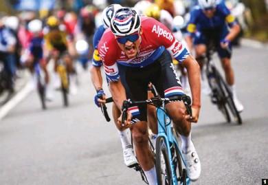??  ?? 1 Tercero feroz. Mathieu van der Poel volvió a dejarse todo en la carretera, como es norma habitual en el campeón neerlandés.