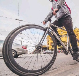 ??  ?? Robert Doyle wants Flinders, King and Lonsdale streets to be bike-free.