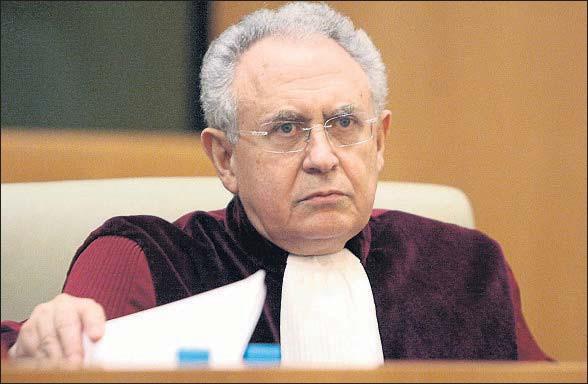?? © STR NEW / REUTERS ?? Paolo Mengozzi, abogado general del Tribunal Superior de Justicia de la UE
