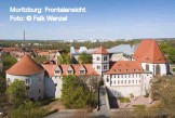 ??  ?? Moritzburg: Frontalansicht. Foto: © Falk Wenzel