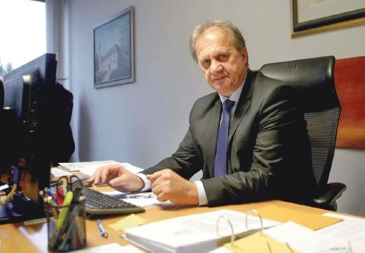 ?? Foto Roman Šipić ?? Moj predlog je, da malo znižajmo naše davčno breme, potem pa lahko za nekaj časa pustimo davčno zakonodajo pri miru, pravi Ivan Simič.