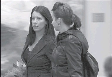 ?? PHIL CARPENTER THE GAZETTE ?? Auxiliary nurse Annick Prud'homme (left) leaves a Laval courtroom after testifying at a coroner's inquiry that she regrets not doing more in 2006 after inmate Richard Bouillon confessed to killing Julie Surprenant, whose body was never found.