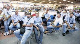 ?? Juan Carlos Hernandez Associated Press ?? GENERAL MOTORS has been in Venezuela since 1948, employing nearly 2,700 workers at its Valencia factory. Its departure adds to the nation's economic crisis.