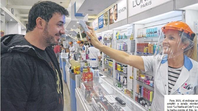 ??  ?? Los trabajadores de farmacia tendrán un importante aumento. En julio se llevarán a cabo negociaciones para el segundo semestre.