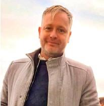 ??  ?? Sturla Bjarki Hrafnsson er vefstjóri Pennans Eymundsson og á veg og vanda af frábaerri vefverslun Pennans, penninn.is.