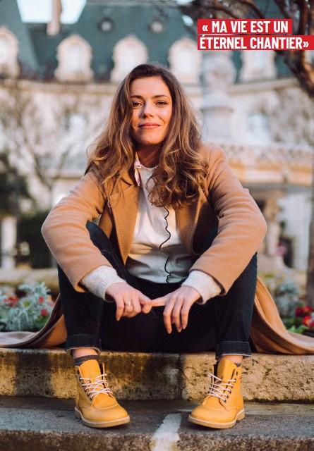 ??  ?? Emma porte des Kickers Kick Legend en cuir tannage végétal collection Printemps Eté 2019