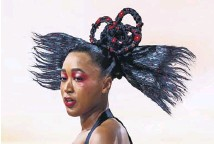 ?? PHOTOGRAPH: GILBERT CARRASQUILLO/ GC IMAGES ?? ▲ The tennis star Naomi Osaka honoured her Japanese and Haitian roots with her Met Gala costume