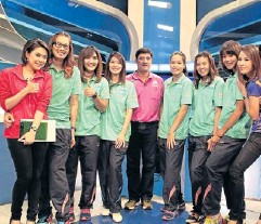 ??  ?? Thai players, who won the Asian Women's Volleyball Championship on Saturday, appear in a programme on Channel 7 yesterday.