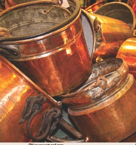 ??  ?? Old copper pots and pans