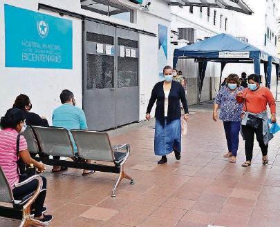 ?? CARLOS BARROS ?? k Al menos tres variantes del coronavirus se han detectado en el país: la británica, la brasileña y la de Nueva York.