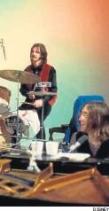 ?? DISNEY ?? Ringo y John Lennon en 'Get Back'.